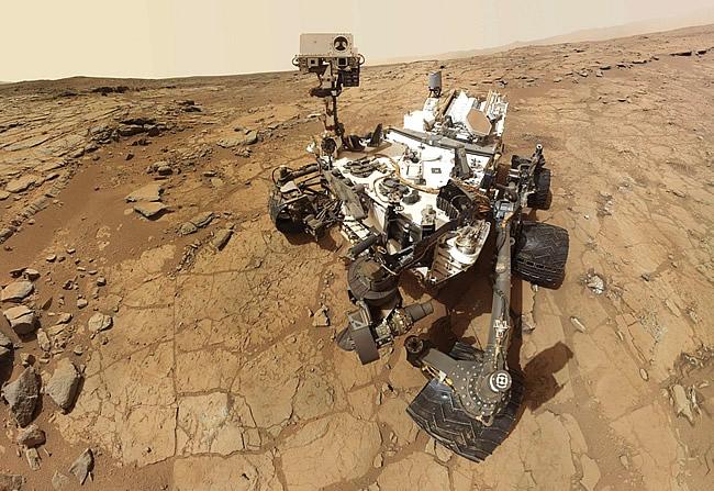 Robotul Curiosity pe Planeta Marte (Foto: NASA)