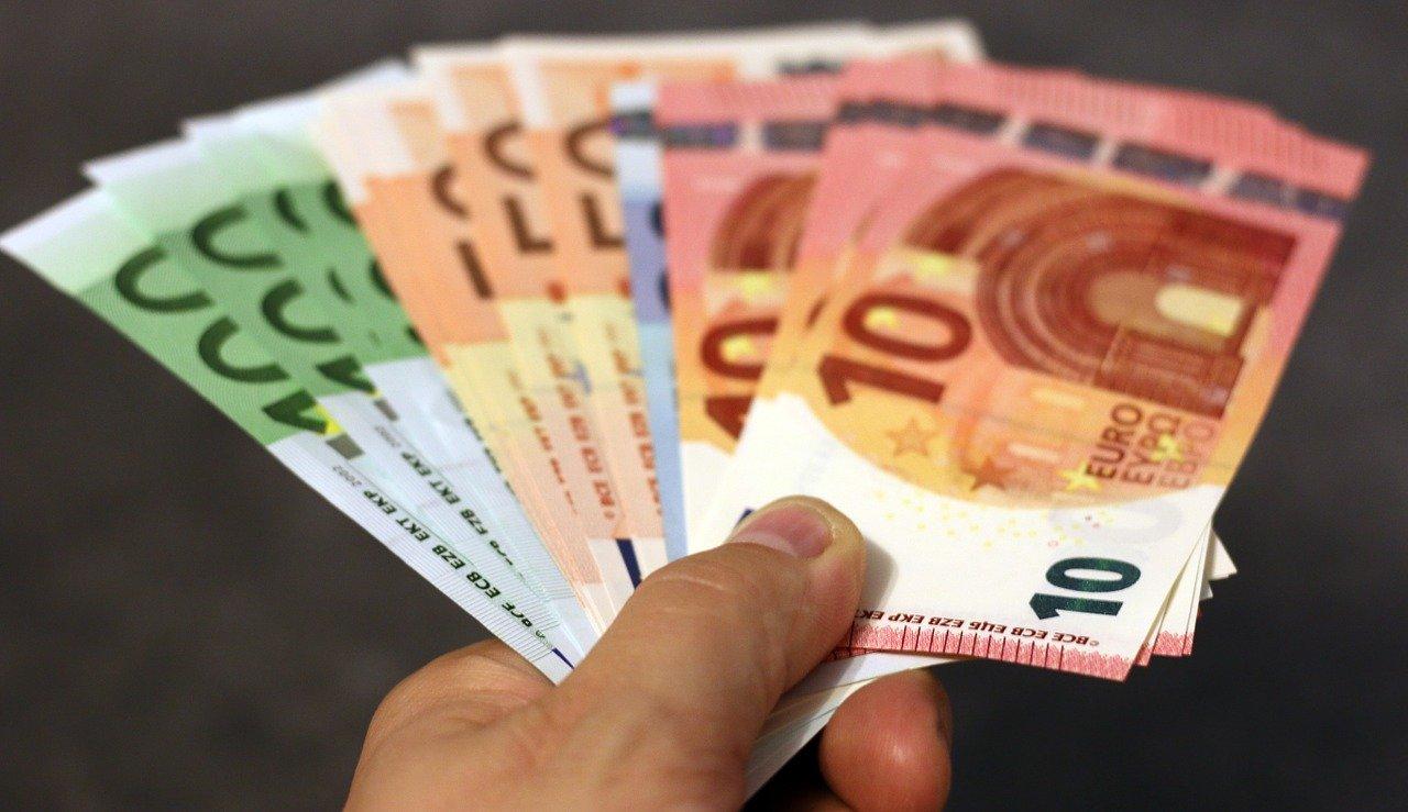 O ciudățenie: micii întreprinzători nu au putut cheltui toți banii dintr-un program care le-a oferit 2.000 euro gratis