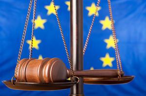 """La Croix: """"Bruxelles-ul dă o lecţie de democraţie României"""""""