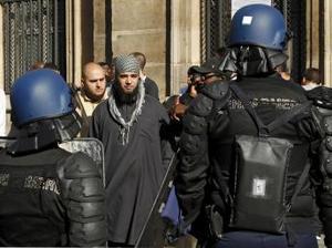 Film islamofob: Anchetă, după protestele musulmanilor la Paris