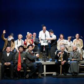 Teatru : Nunta mută de Horaţiu Mălăiele transpusă în teatru la Aubervilliers