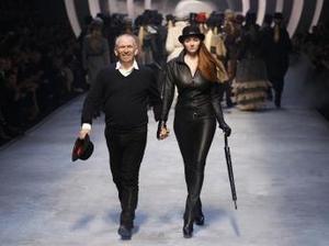 """Încep defilările """"haute couture"""""""