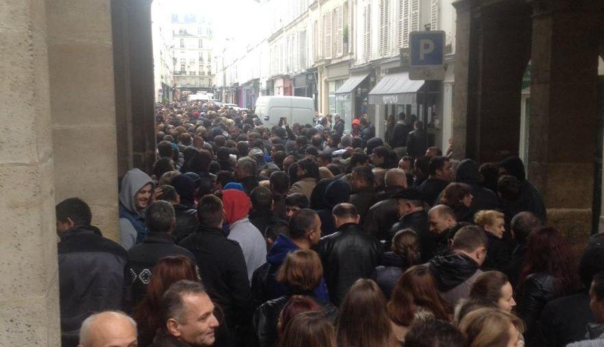 Paris, Rue de L'Exposition blocata. Foto: Vasile Damian