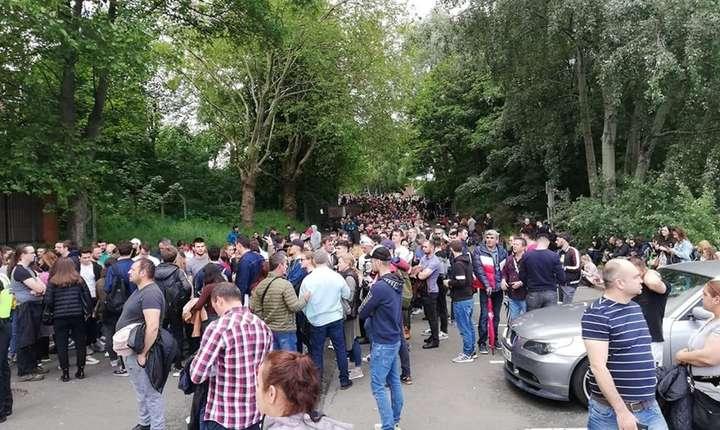 Mii de oameni așteaptă să voteze la Birmingham, al doilea oraș după Londra (foto Cătălin Anghelescu)