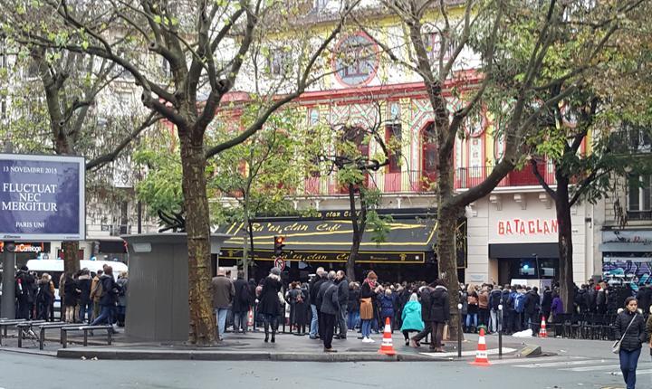 Presa a fost tinutà departe de familiile victimelor de la Bataclan în ziua comemoràrii atacurilor din 13 noiembrie 2015