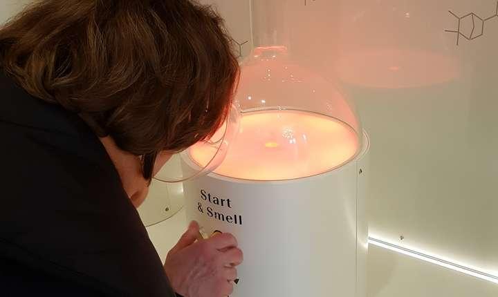 """Aparat de """"testat"""" mirosul vizitatorilor"""