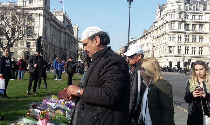 """Tariq Dar, liderul musulman din Brent condamnă fără rezerve atentatul. """"E o problemă de psihologie, nu una de teologie"""", a spus el la RFI cu referire la terorist."""