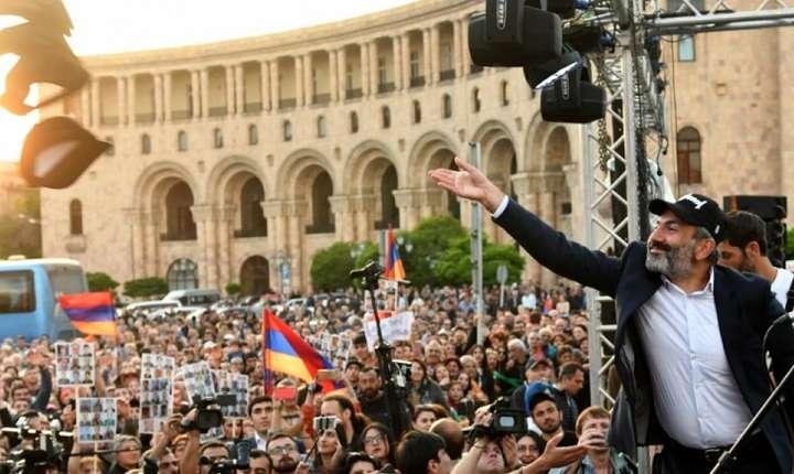 Liderul opozitiei armene, Nikol Pachinyan, la Erevan pe 30 aprilie 2018.