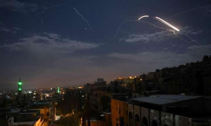 Tiruri ale armatei siriene în urma atacului israelian, 21 ianuarie 2019.