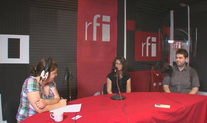 Andreea Orosz, Gabriel Brezoiu şi Ramona Chivu in studioul RFI Romania