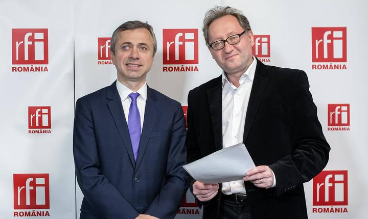 Ionuţ Simion și Constantin Rudniţchi in studioul radio RFI la emisiunea Esential