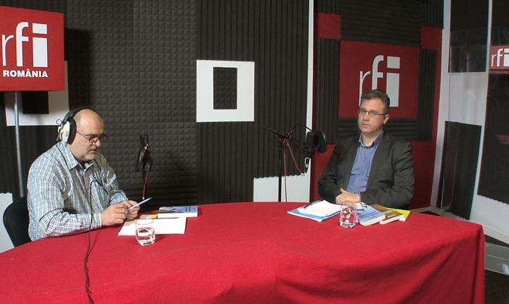Ovidiu Nahoi și Dan Luca la radio RFI Romania in emisiunea Decriptaj
