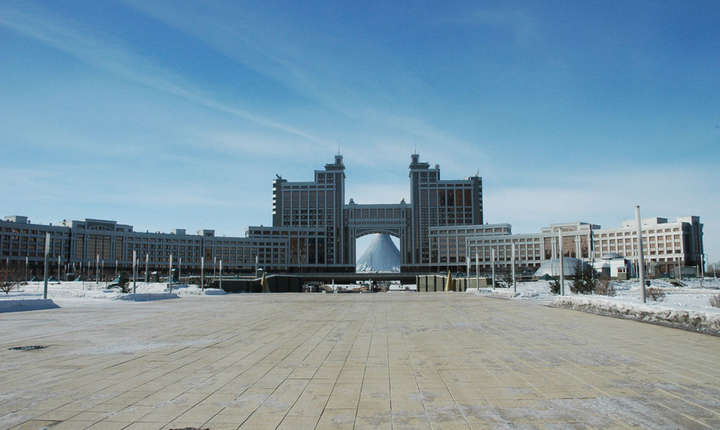 Astana, capitala Kazahstanului, poarta marca ambitiilor arhitecturale ale regimului autocrat încarnat de Nursultan Nazarbaiev