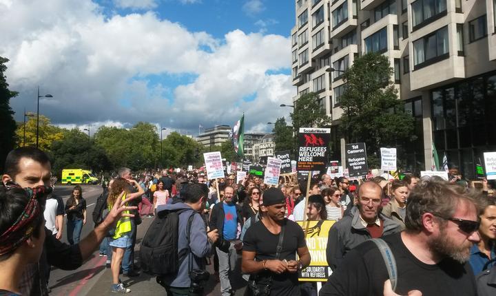 Demonstranți pro-refugiați în Londra