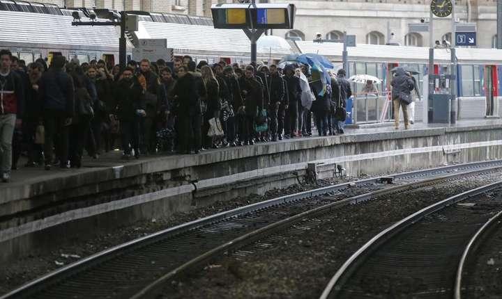 Greva a feroviarilor francezi în aprilie 2016