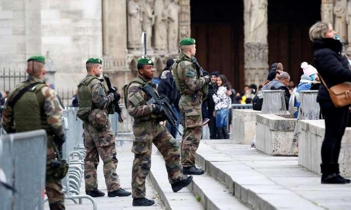 Dispozitiv de securitate întarit în Franta în zonele turistice