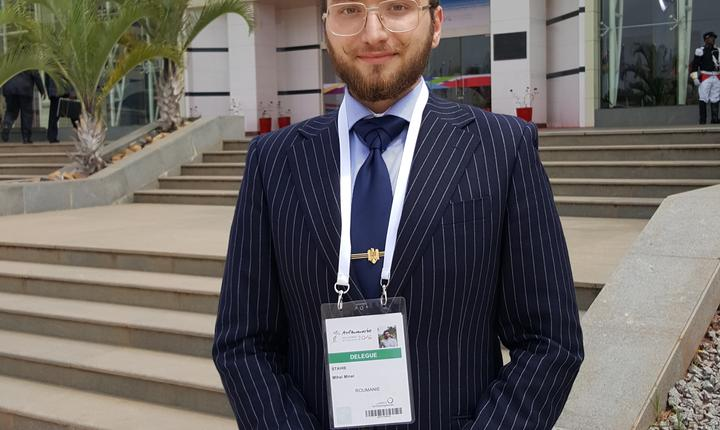 Mihai Stahie, student român, prezent la sommet-ul Francofoniei de la Antananarivo, Madagascar, 26 noiembrie 2016