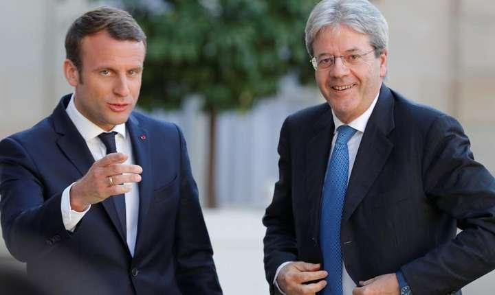 Emmanuel Macron si Paolo Gentiloni la Palatul Elysée pe 21 mai 2017