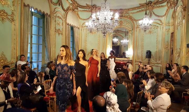 Fashion week cu 8 designeri români, în incinta Ambasadei României din Franta, 27 septembrie 2017