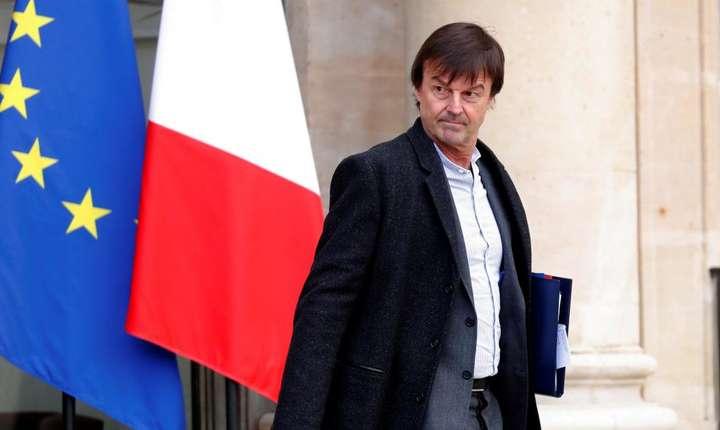 Nicolas Hulot pe peronul palatului Elysée