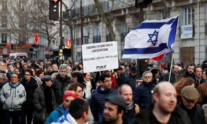"""Mars """"alb"""" la Paris pentru denuntarea antisemitismului"""