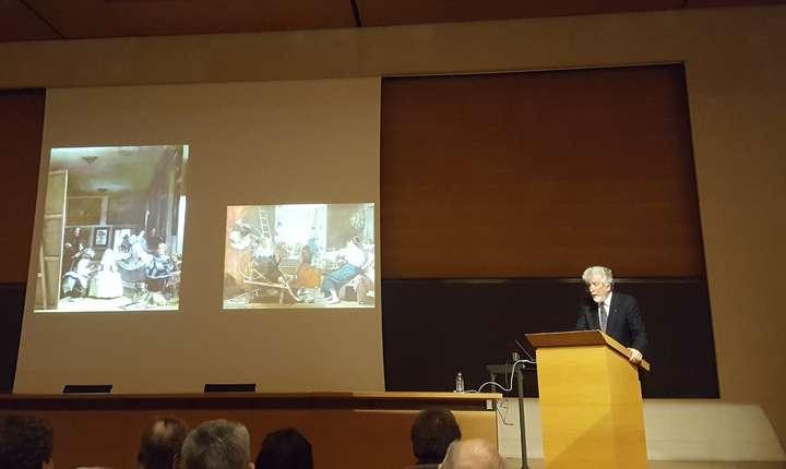 Istoricul si criticul de artà Victor Stoichità sustinându-si lectia inauguralà la Collège de France