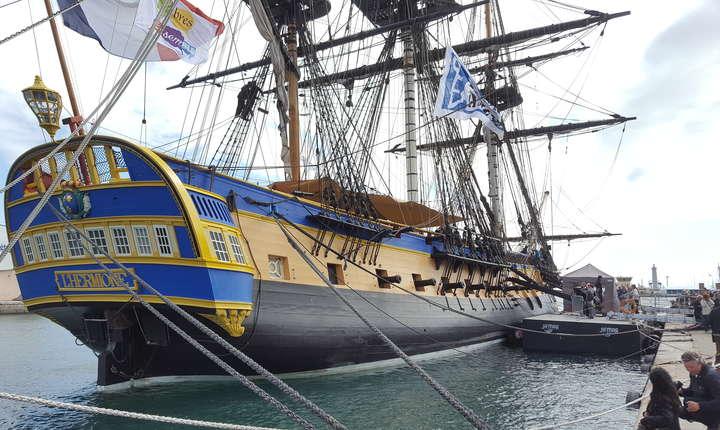 Fregata L'Hermione face escalà la Sète, port francez de la Mediteranà