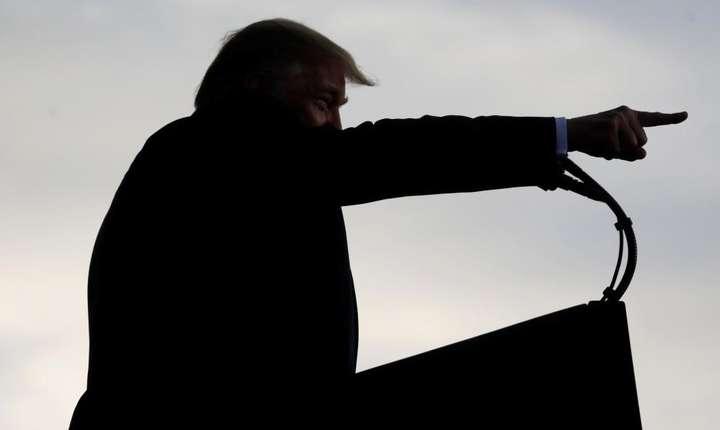 """Donald Trump, """"expert"""" în manierea armei sancţiunilor"""