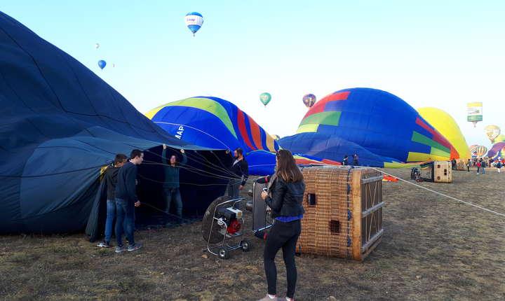 Balonul la bordul càruia va zbura colegul nostru Vasile Damian