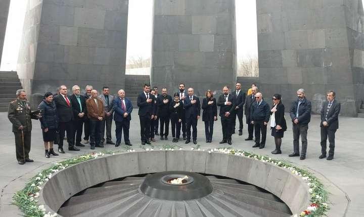 Memorialul genocidului armean, Erevan, Armenia