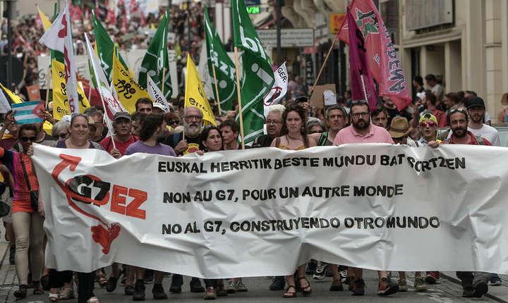 80 de organizatii neguvernamentale spun 'nu' summitului G7 de la Biarritz si organizeaza proteste pe frontiera franco-spaniola.