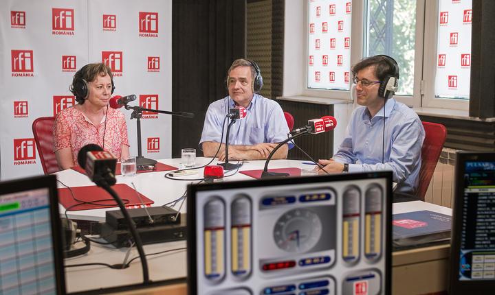 Arielle Saint-Paul, soţia ambasadorului francez în România, E.S. Dl. Francois Saint-Paul şi Yann Frollo De Kerlivio, Director Business France România.