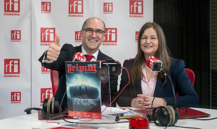 Sergiu COSTACHE și Iuliana HAMPU in studioul de emisie RFI Romania