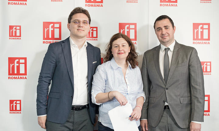 Victor Negrescu, Andreea Orosz și Marin Florian in studioul RFI Romania
