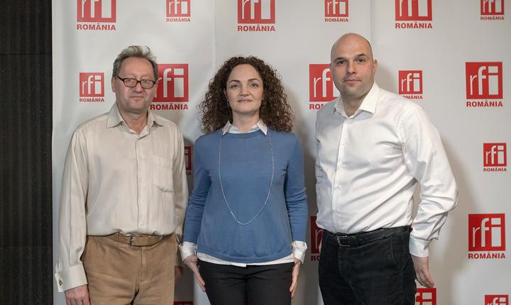 Constantin Rudniţchi, Anda Rojanschi şi Dragoş Atanasiu in studioul radio RFI