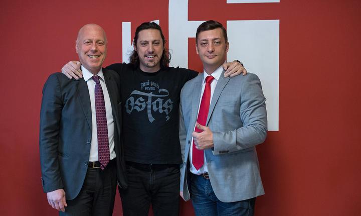 Laurenţiu Constantin, Dan Pavel şi Marius Focsa in sala de conferinte a radio RFI Romania