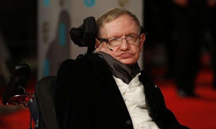 Stephen Hawking, la Londra, în februarie 2015 (Foto: AFP/Justin Tallis)