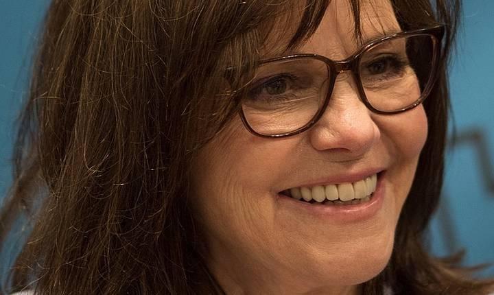 Sally Field a fost arestată în timpul unei manifestații pentru climă (Sursa foto: Wikipedia)