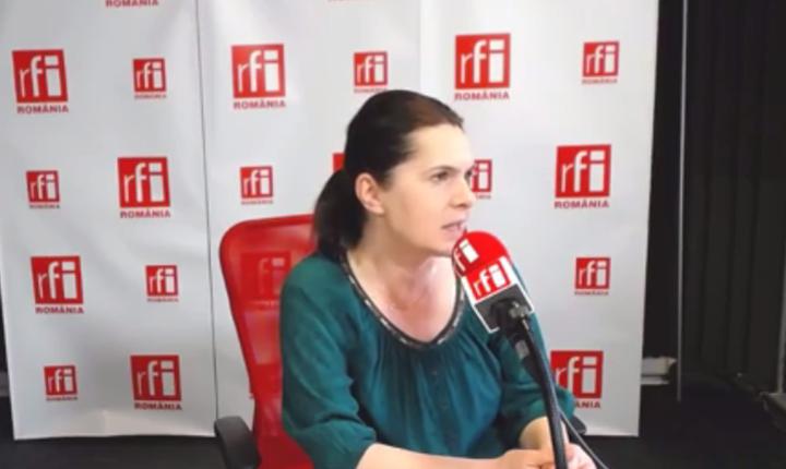 Adriana Săftoiu, în studioul RFI (Foto: Arhivă RFI)