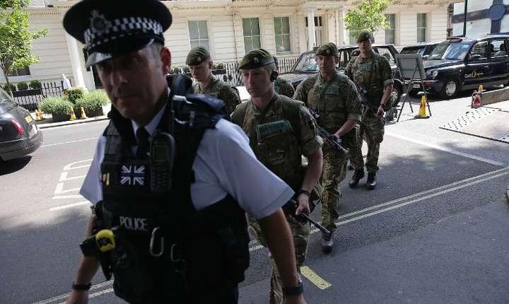 Forţe de ordine britanice (Foto: AFP/Daniel Leal-Olivas)