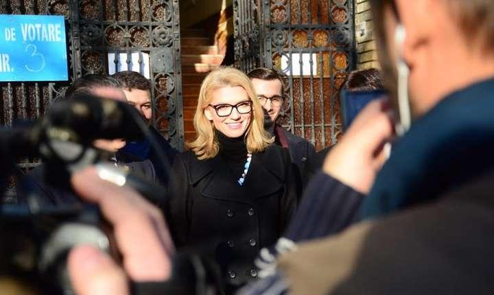 Alina Gorghiu critică înfiinţarea comisiei pentru alegerile din 2009 (Sursa foto: Facebook/Alina Gorghiu)