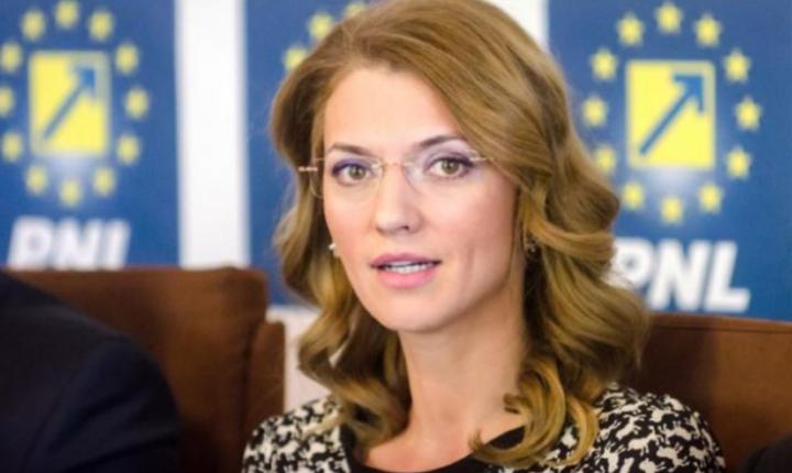Alina Gorghiu: Nu va există sesiune parlamentară fără o moţiune de cenzură (Sursa foto: site PNL)