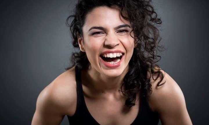 """Alina Serban, actrita pincipalà din filmul Martei Bergman """"Singurà la nunta mea"""", prezentat la Cannes în sectiunea ACID"""
