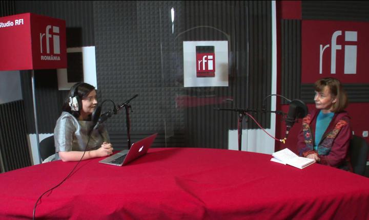 Ana Maria Caia și Cristina Andrei in studioul radio RFI Romania