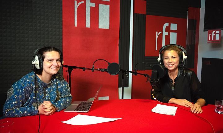 Ana-Maria Caia și Laura Dragomir în studioul RFI România