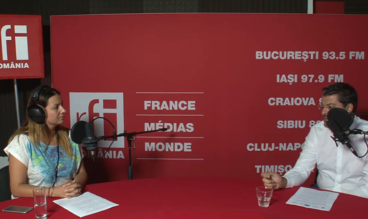 Andreea Pietroșel și Răzvan Pascu in studioul RFI Romania