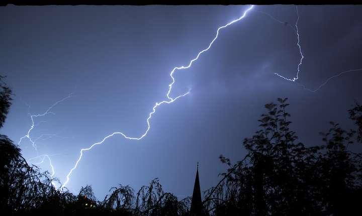 Ploi, cu descărcări electrice şi vânt puternic, în aproape toată România (Sursa foto: pixabay)