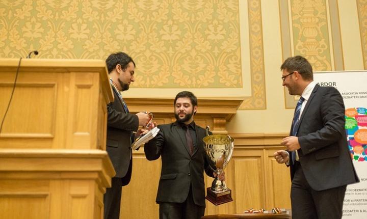 Câștigătorii Turneului campionilor dezbateri - ARDOR, David Moscovici, Șerban Pitic, Emi Beteringhe