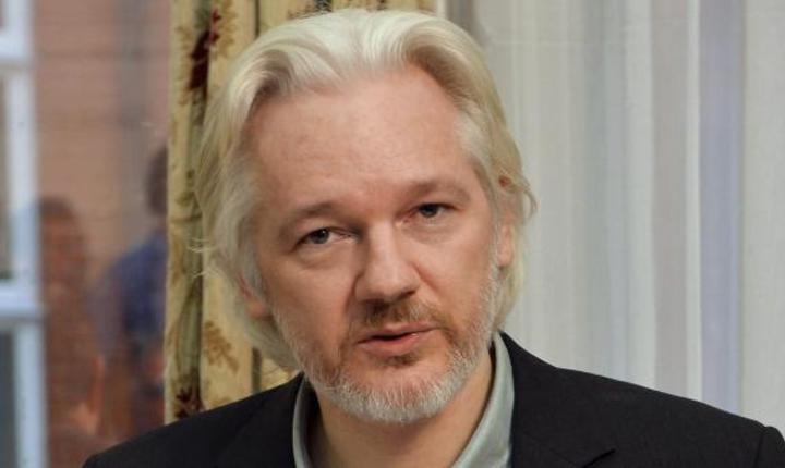 Julian Assange, fondatorul WikiLeaks, la sediul ambasadei Ecuador din Londra, în august 2014