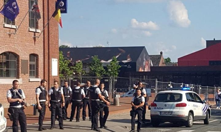 Scena dupa atentatul asupra politiei la Charleroi